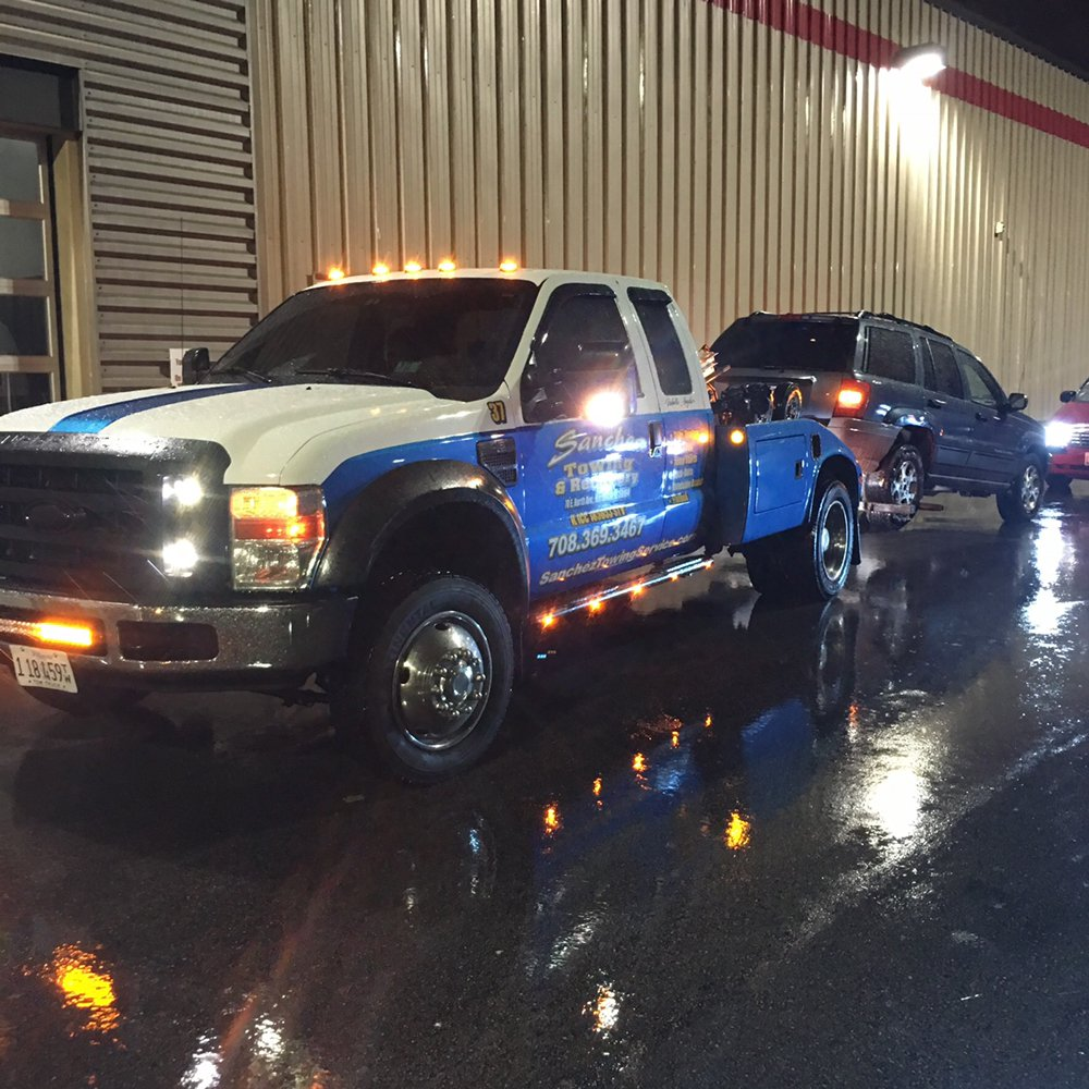 Towing business in River Grove, IL