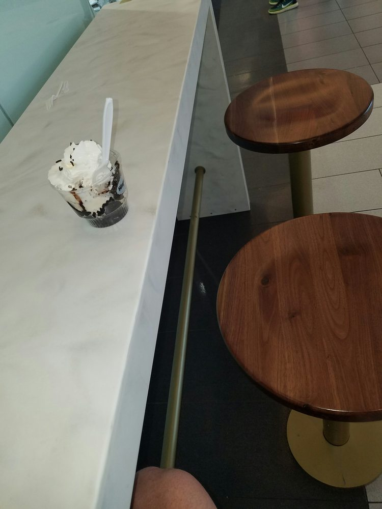 Haagen Dazs Shop 24 Billeder Is Og Frozen Yogurt 630 Old Country Rd Garden City Ny Usa