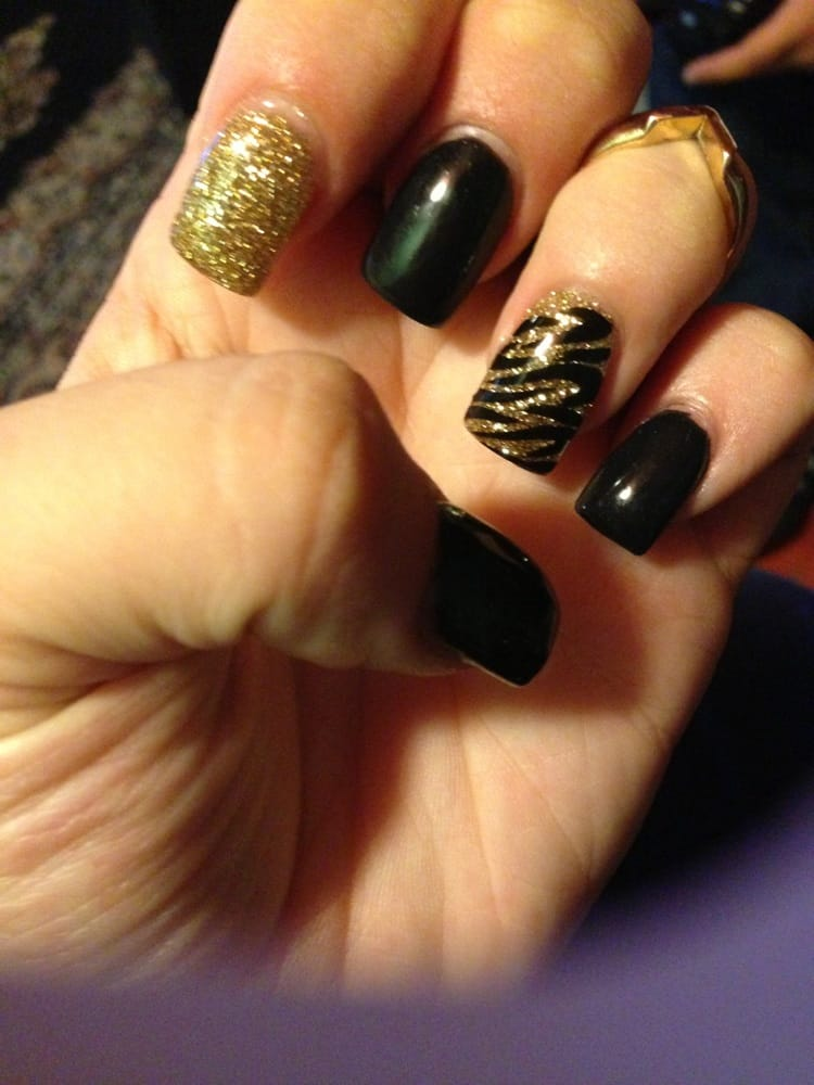 Black Gel With Gold Glitter And Zebra Accent Nail The New Guy Is A