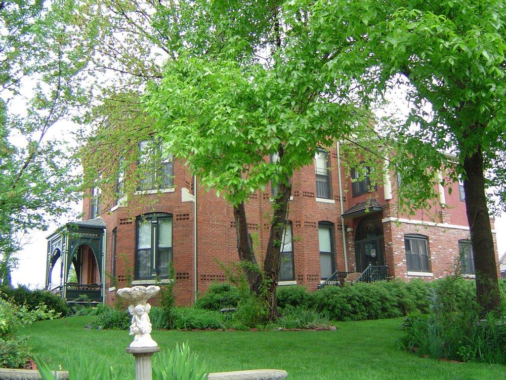 Banker's House Bed & Breakfast: 414 Ave B, Plattsmouth, NE
