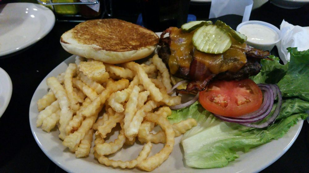 Big Red Restaurant & Sports Bar: 8933 Andermatt Dr, Lincoln, NE