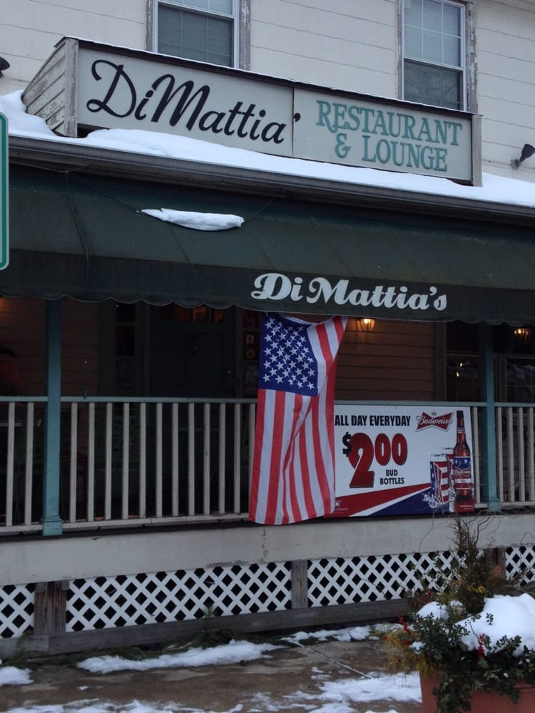 Di Mattia's Restaurant and Lounge: 1 N Main St, Allentown, NJ