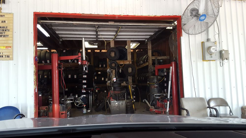 Pena's Tire Shop: 1422 Kathy St, Rosharon, TX