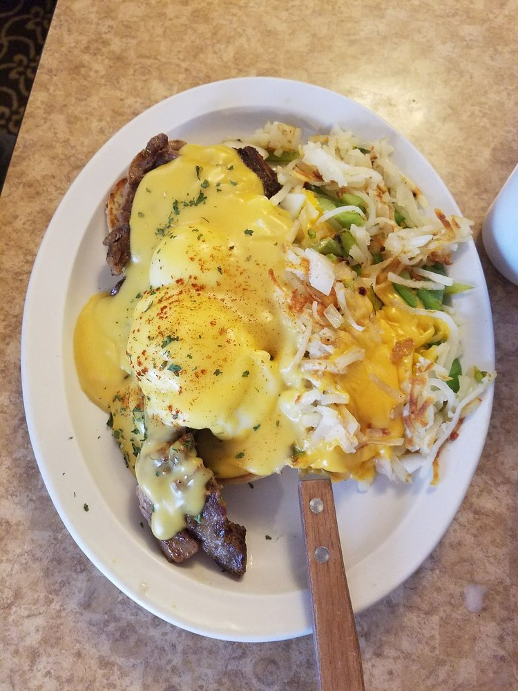 Deforest Family Restaurant: 505 W North St, De Forest, WI