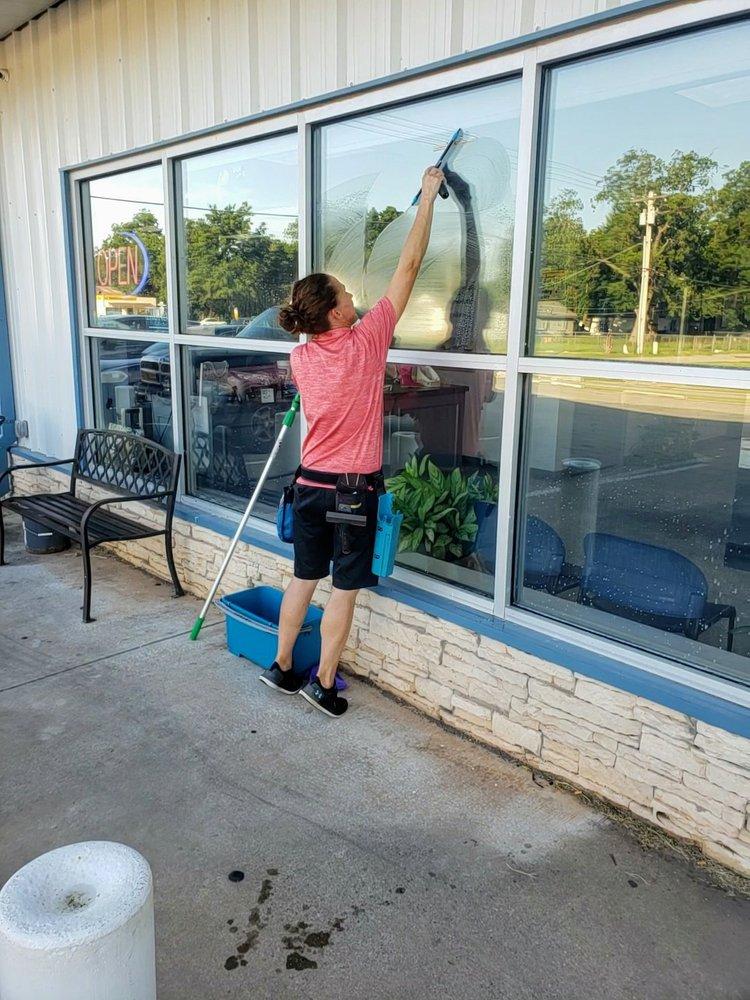 BC Window Cleaning: Oklahoma City, OK