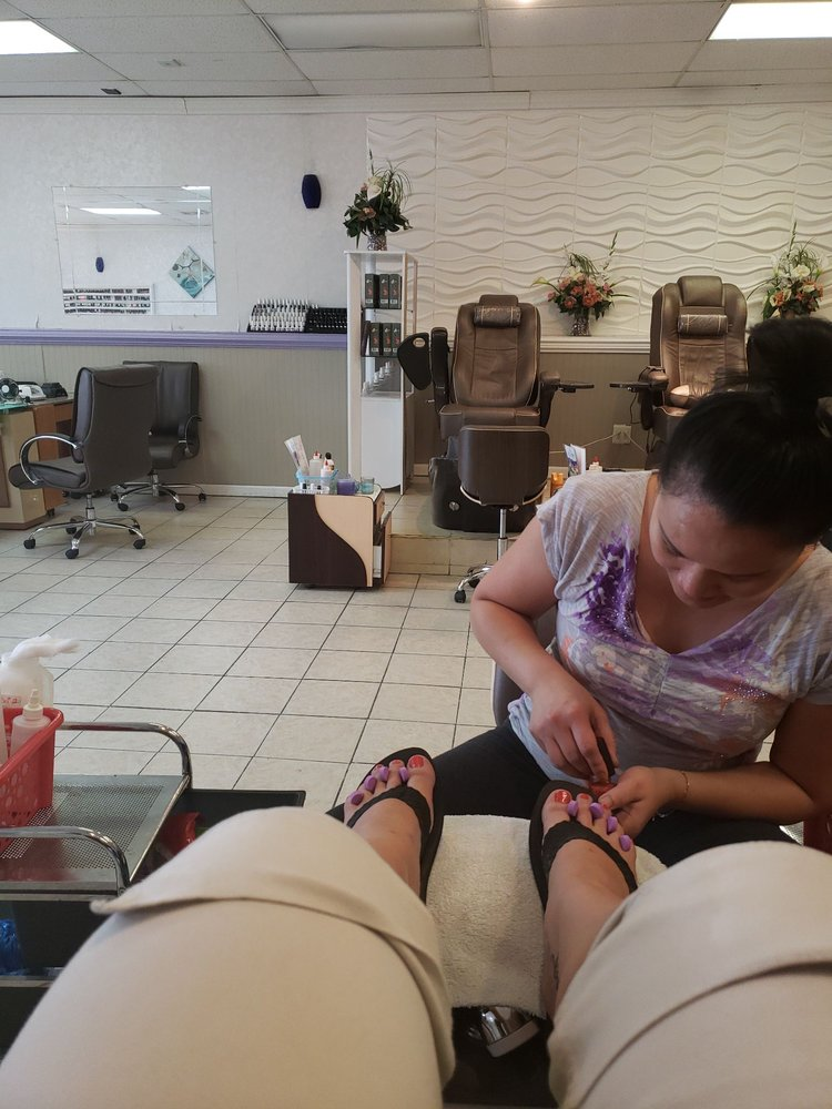 Unique Nails: 243 Neff Ave, Harrisonburg, VA