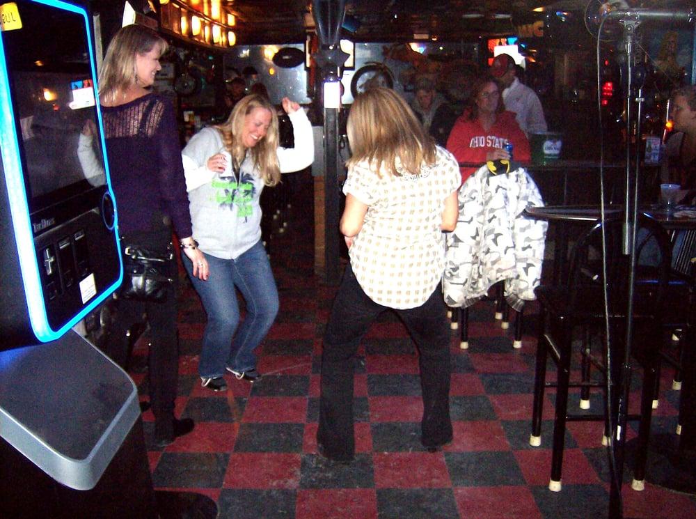 Jug'z Tavern: 420 W Main St, Newark, OH