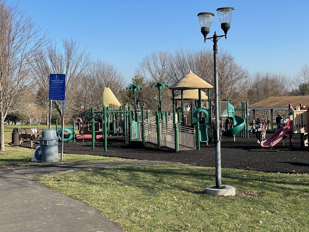 Roberts Ridge Park: 286 Frost Ln, Newtown, PA