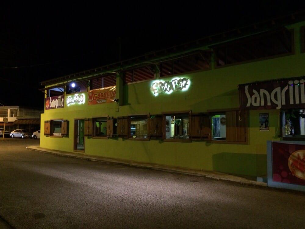 Jibarito EnPlaya: Avenue Esperanza Idrach, Guanica, PR