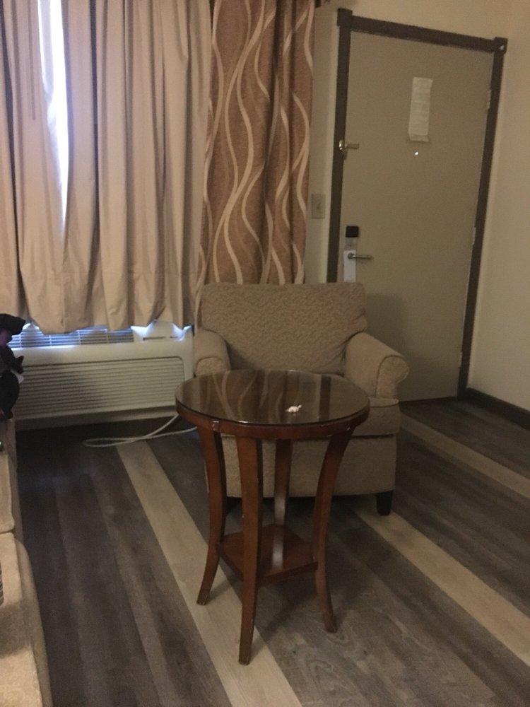 Royal Inn & Suites: 111 E 17th St, Mountain Grove, MO