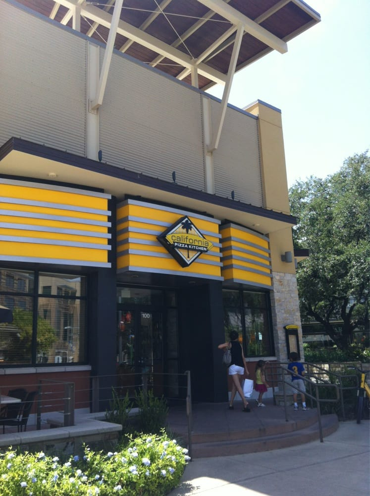 California Pizza Kitchen Order Food Online 141 Photos 152 Reviews Pizza Austin Tx