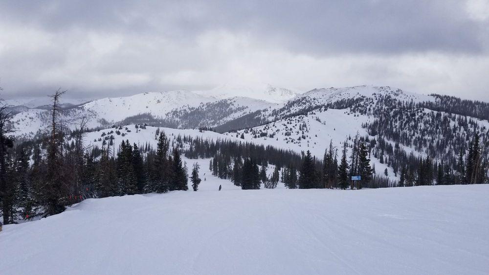 Edge Ski & Paddle: 107 N Union Ave, Pueblo, CO
