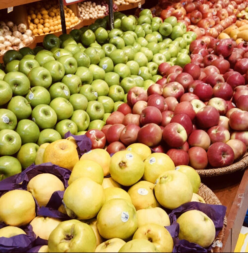 A To Z Kosher Supermarket: 18605 Union Tpke, Fresh Meadows, NY