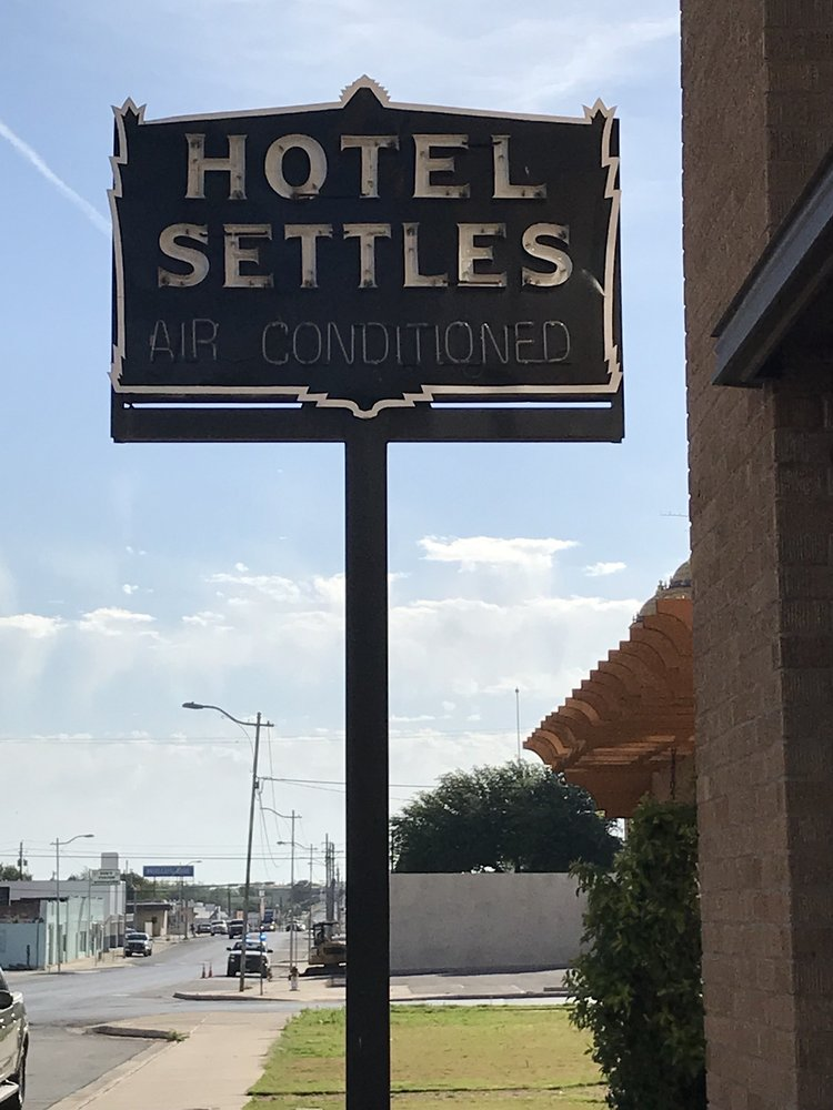 Settles Hotel: 710 S Gregg St, Big Spring, TX