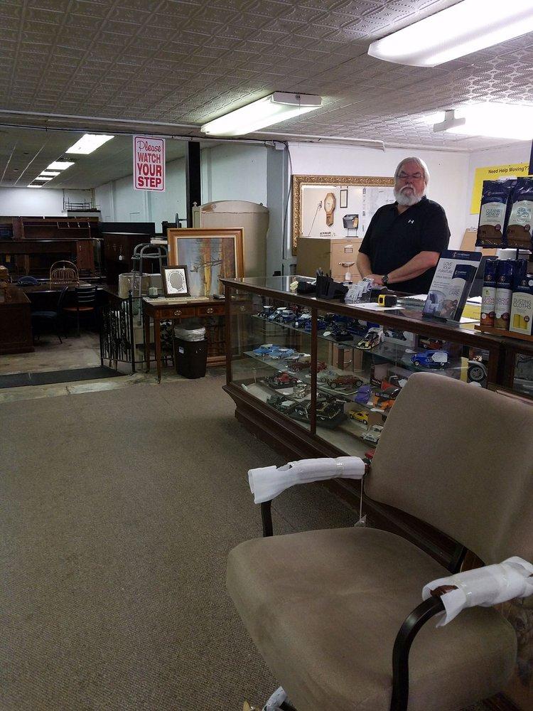 S&S Furniture: 1433 W Henderson St, Cleburne, TX