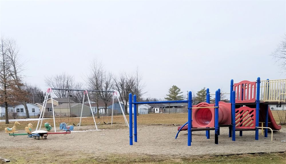 Westlea Park: 802 SE Guinivere Dr, Marion, IN