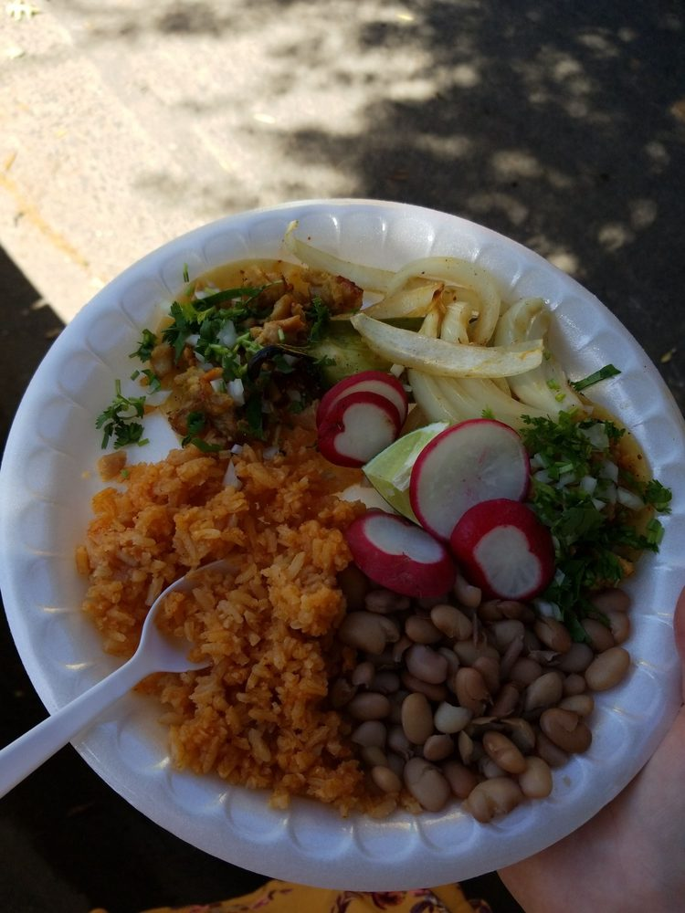Tacos y Mariscos Mar y Tierra: 8524 Florin Rd, Sacramento, CA