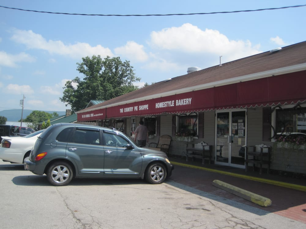 Country Pie Shoppe: 6577 State, Mount Pleasant, PA