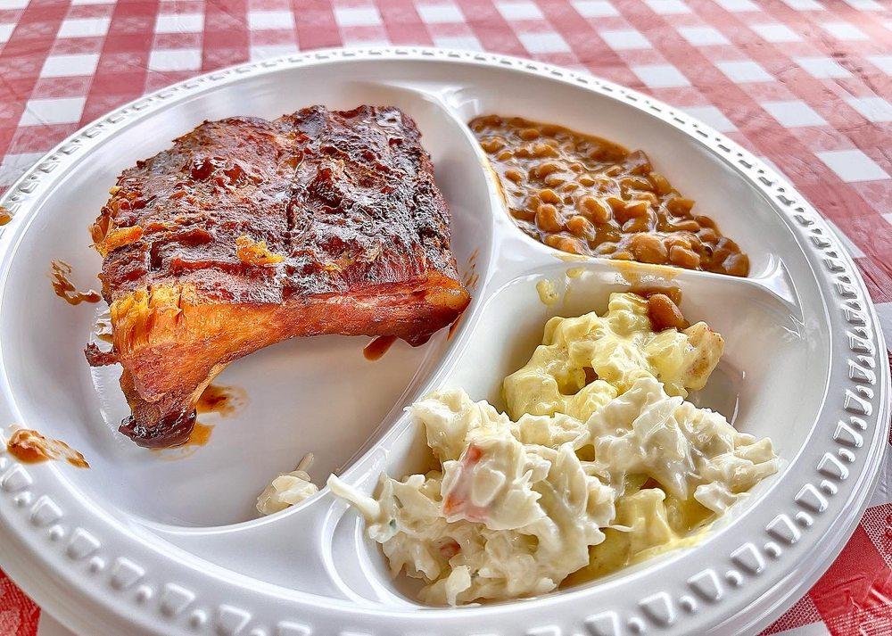 Village Meats: 832 Lake St E, Wayzata, MN