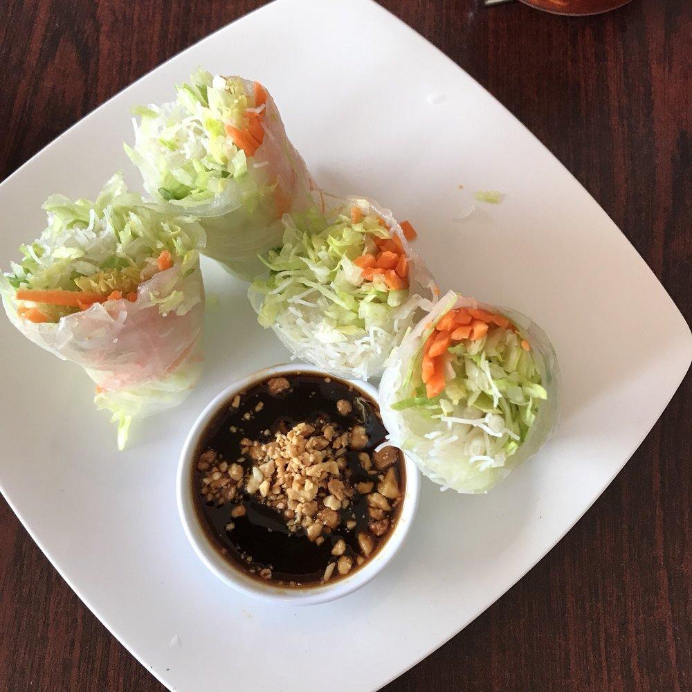 Simply Thai Restaurant: 2470 N Hwy 67, Florissant, MO
