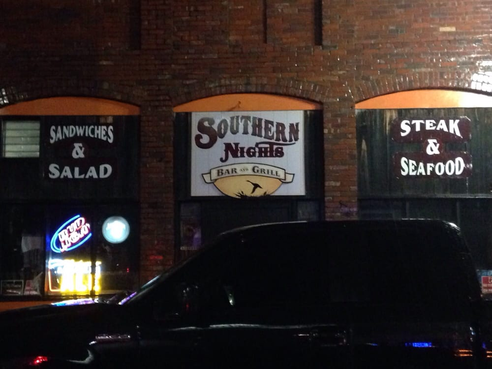Southern Nights Grill: 138 S Walnut St, Greenville, MS
