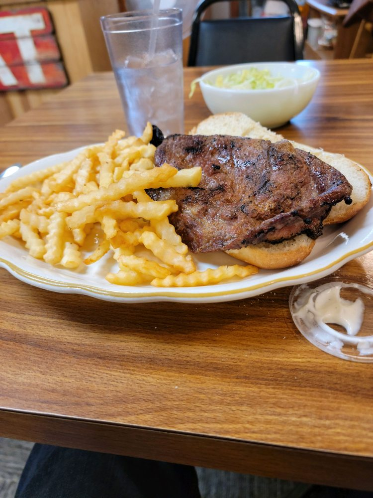 Boxcar's Cafe: 218 Main St, Hospers, IA