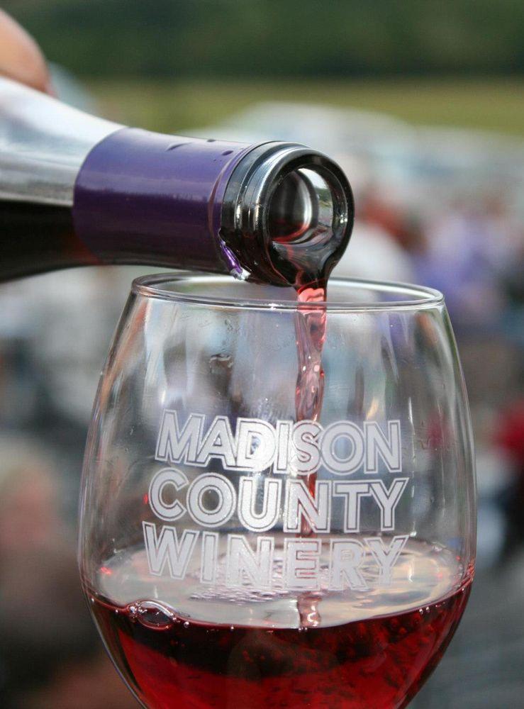 Madison County Winery: 3021 St Charles Rd, Saint Charles, IA