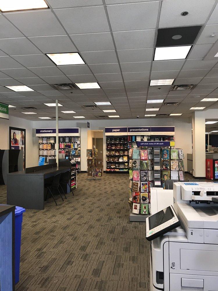 FedEx Office Print & Ship Center: 1061 W March Ln, Stockton, CA