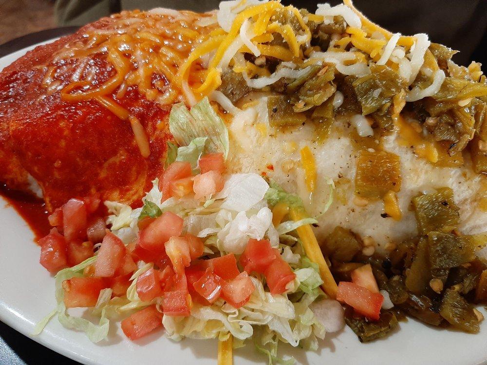 Village Cafe: 223 Hwy 314 SW, Los Lunas, NM