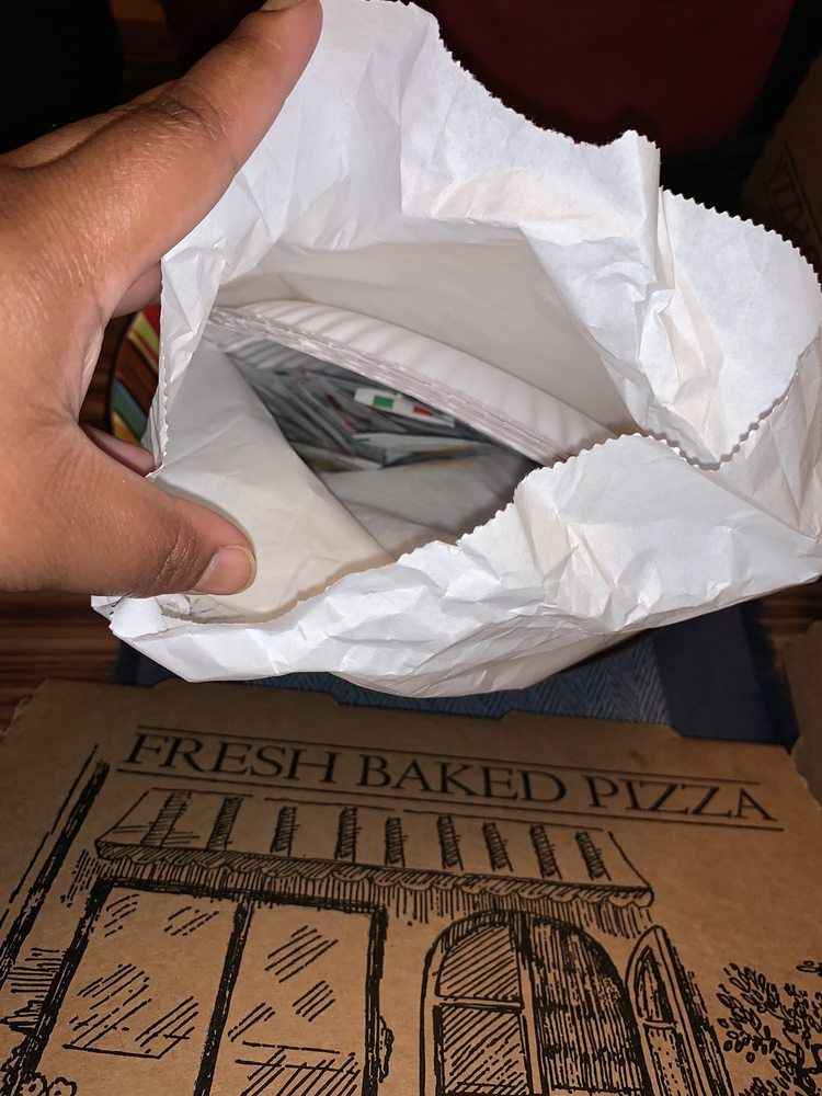 Brickhouse Burgers, Pizza & Pasta: 8769 N Main St, Helen, GA