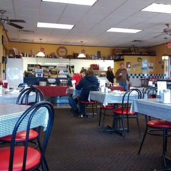 Photo Of Old School Deli Roseville Mi United States Busy Good