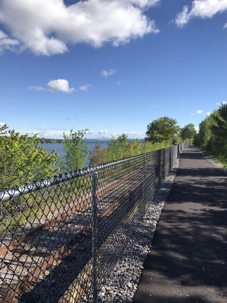 Lake Winnisquam Scenic Trail: Roberts St NE, Belmont, NH