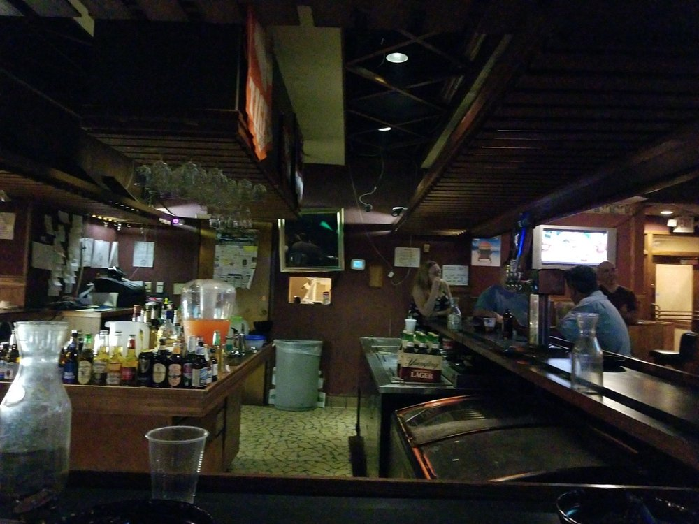 Plum's Restaurant & Lounge: 850 Hwy 1 S, Lugoff, SC