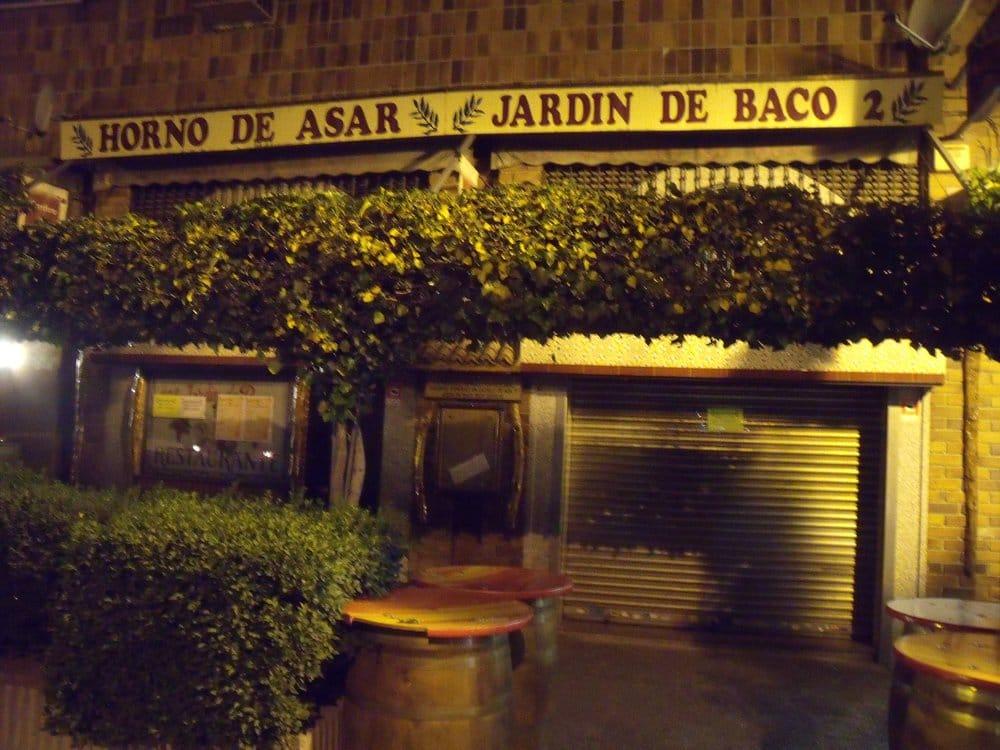 Jard n de baco 2 tapasbars calle de fuentespina 6 for Restaurant o jardin