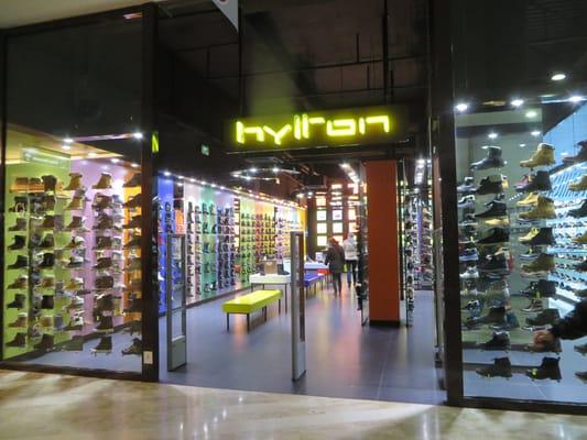 chaussures de séparation b96b3 5a09a Hylton - Magasins de chaussures - 17 square Belsunce ...