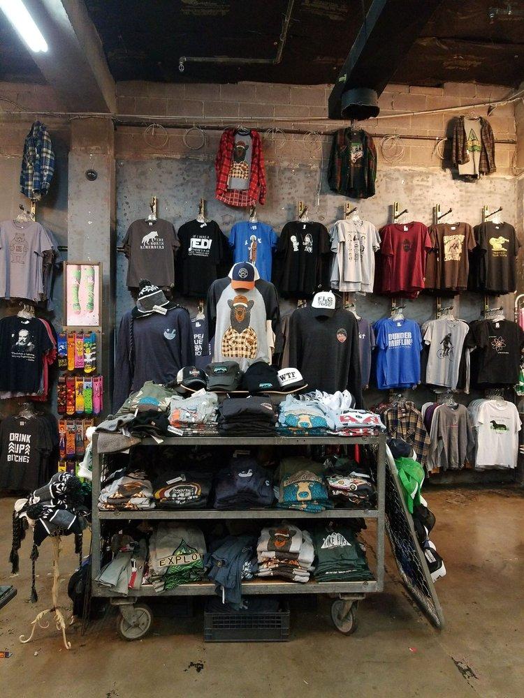 Black Hound Gallerie: 120 N Leroux St, Flagstaff, AZ