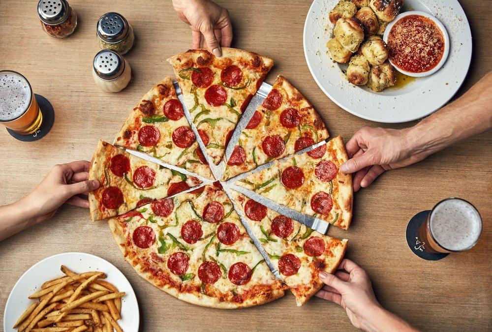 Johnny Brusco's New York Style Pizza: 2341 John Hawkins Pkwy, Hoover, AL