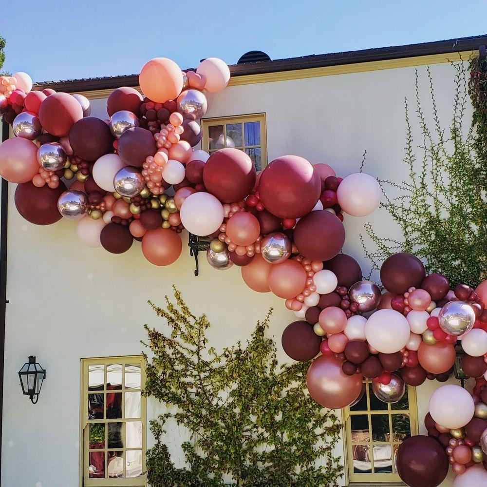 Balloon Specialties: Santa Rosa, CA