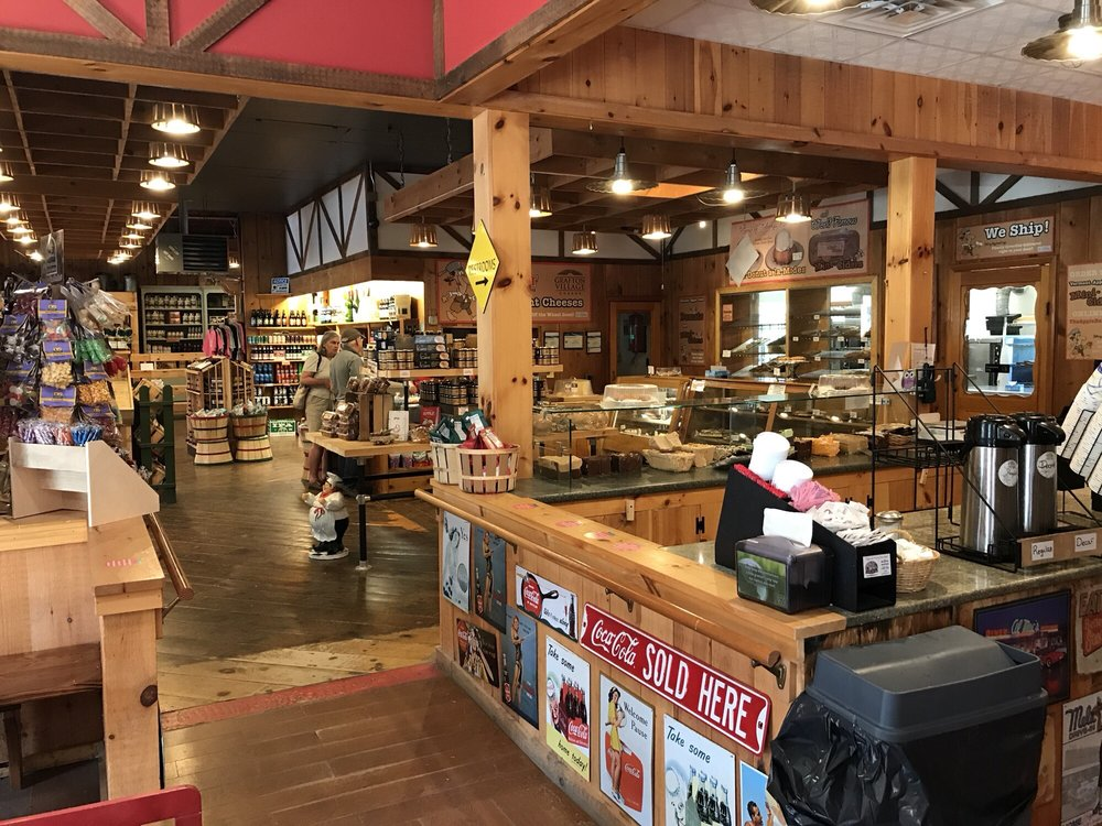 Apple Barn - 28 Photos & 23 Reviews - Bakeries - Pownal Rd ...