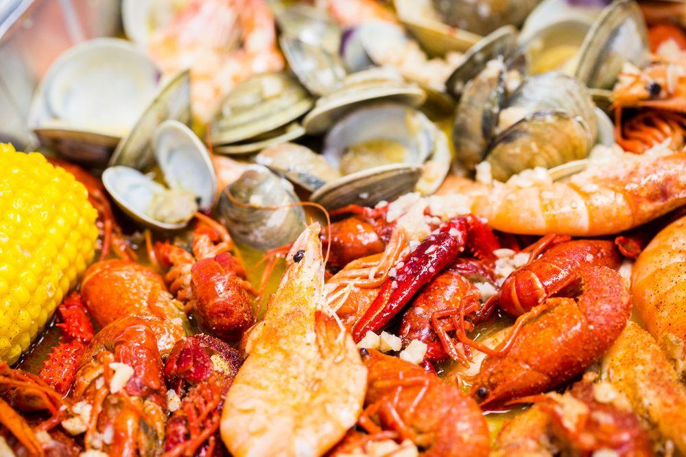Photo Of Live Crawfish Seafood Restaurant Rockville Md United States