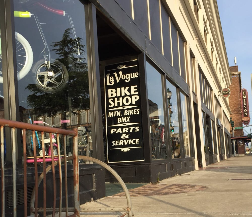 Bitar's-La Vogue Department Store: 623 Simpson Ave, Hoquiam, WA
