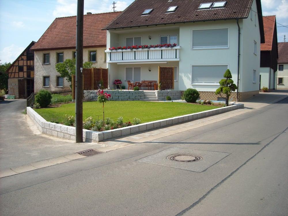 Gartengestaltung Dresden, trocken- mauereinfassung - granit grau, rollrasen - yelp, Design ideen