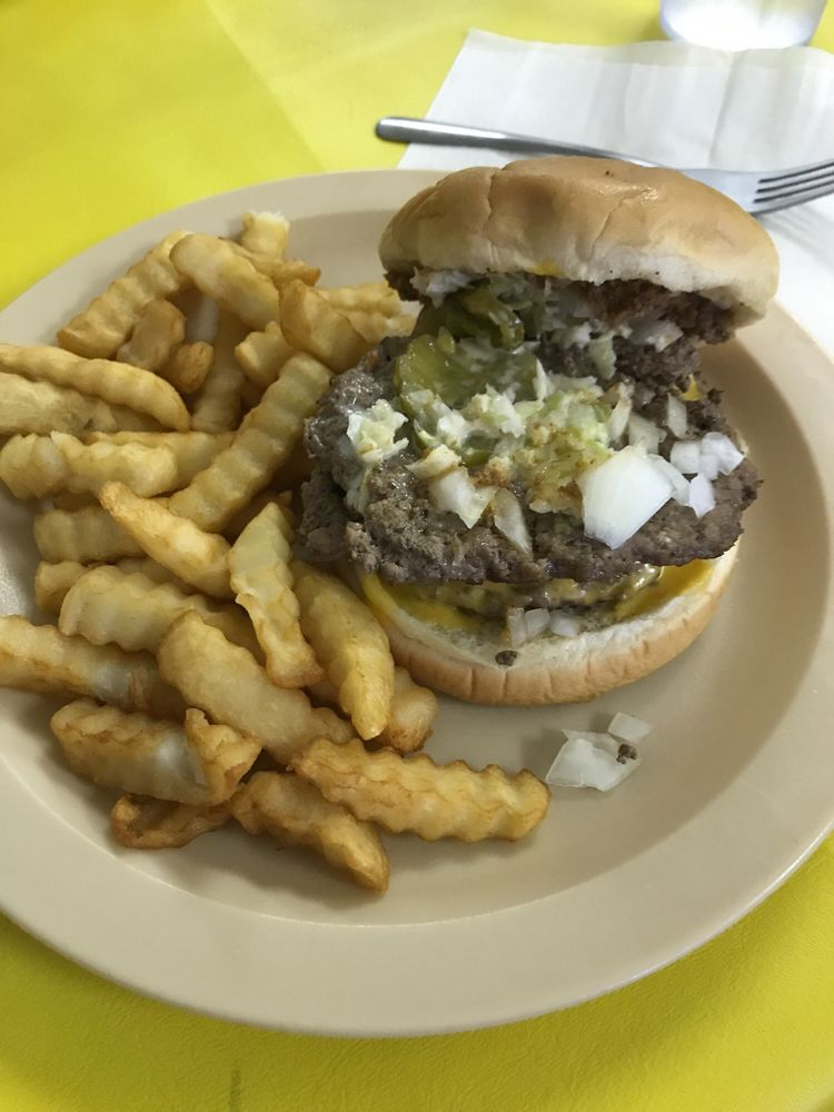 Gracie's Grill: 123 Vance St, Clinton, NC