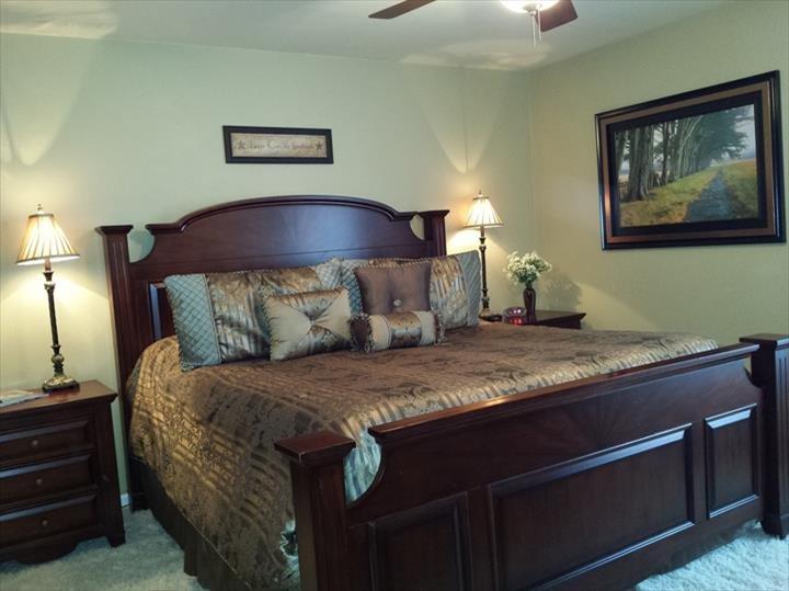 Oak Meadow Delight Bed & Breakfast: 2814 Oak Meadow Dr, Ottumwa, IA