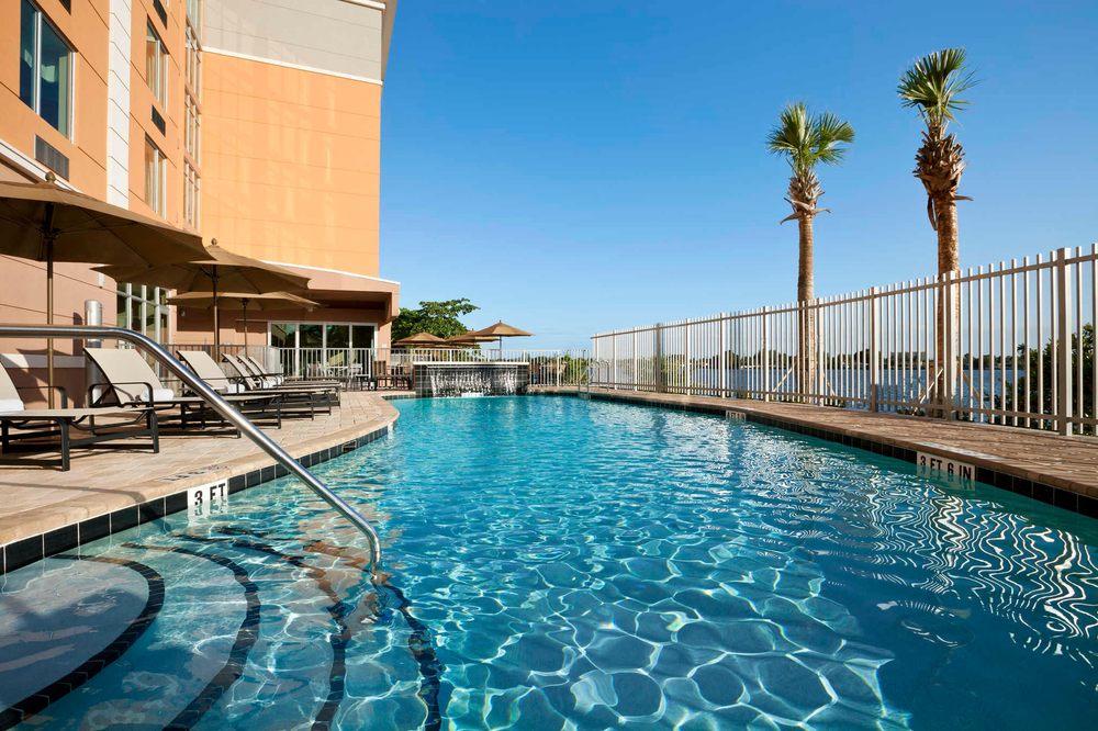 cambria hotel suites miami airport blue lagoon 63. Black Bedroom Furniture Sets. Home Design Ideas