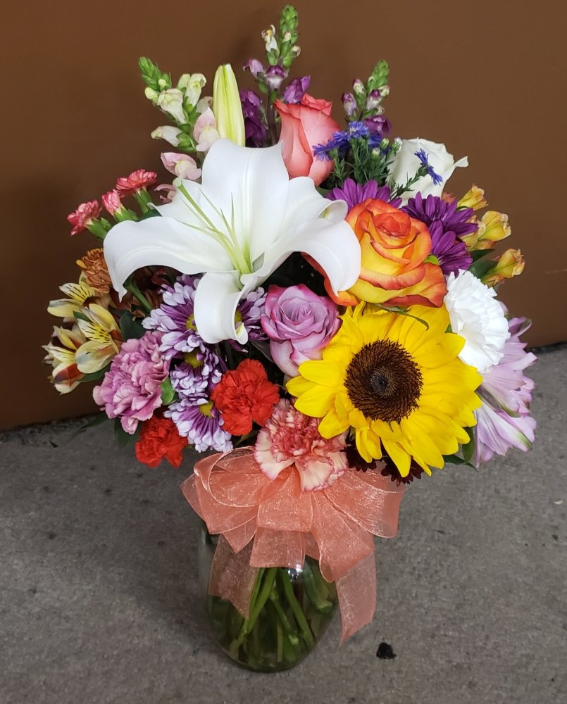 Brite Flower Shop & Gifts: 900 E Broadway, Glenwood, AR