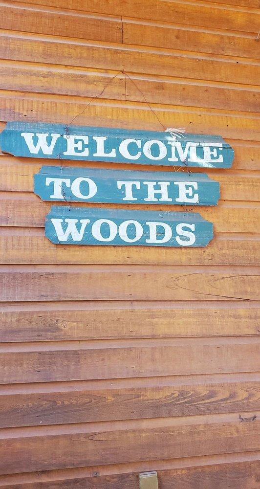 Wooden Nickel Cabins: 1022 S Hunter Creek Dr, Payson, AZ