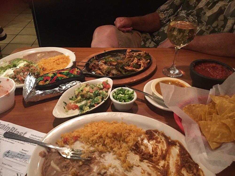 Las Fajitas Mexican Restaurant & Bar: 550 Hwy 46 S, Dickson, TN