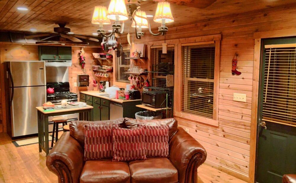 Indian Bear Lodge: 3483 McCament Rd, Walhonding, OH