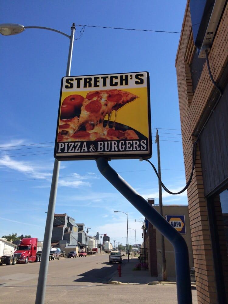 Stretch's Pizza: 140 S 1st E, Malta, MT